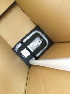 ウレタンフォームを使用することで、作業効率と外装箱のスリム化に成功