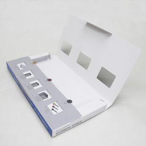 人工木材のサンプル用ケース-開いた状態(差し込みでフタができます)